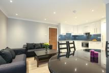 3 bed Flat to rent in Manbre Road Hammersmith...