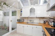 Apartment in Eyot Gardens Hammersmith...