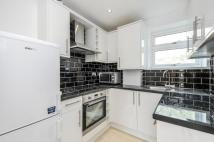 Flat to rent in Yeldham Road Hammersmith...