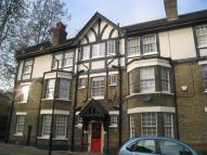 Flat to rent in Burton Grove Walworth...