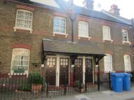 Maisonette to rent in Merrow Street Walworth...