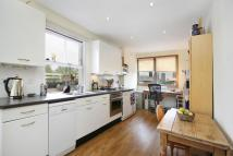 Flat to rent in St Quintin Avenue, W10