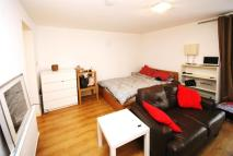 Flat to rent in Cornwall Crescent...