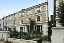 Flat in Bassett Road, London, W10