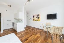 1 bed Flat to rent in Lancaster Road, W11