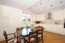 3 bedroom property to rent in Wynchgate Winchmore Hill...
