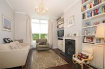 2 bedroom property to rent in Highworth Road Bounds...