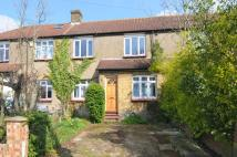 4 bed property to rent in The Fairway Southgate N14