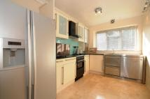 2 bedroom Flat in Enfield Road Enfield EN2