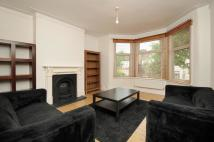 Flat to rent in Conway Road Southgate N14
