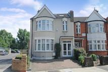 6 bedroom home to rent in New River Crescent...