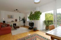 Flat to rent in The Copse Fortis Green N2