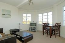 Flat to rent in Pages Lane Muswell Hill...