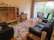 Flat to rent in Barton Close Peckham SE15