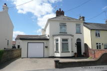 4 bed Detached property in Newton Road, Stowmarket...