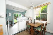 Maisonette in Putney Bridge Road...