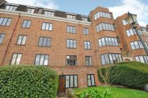 Apartment to rent in Manor Fields Putney SW15
