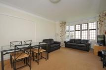 4 bed Flat to rent in Highlands Heath Putney ...