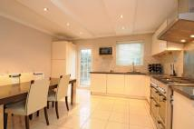 4 bedroom home in Chepstow Close Putney...