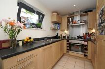 Flat to rent in Scott Avenue Putney SW15