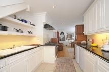 2 bedroom property in Stanbridge Road Putney...