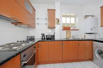 Flat to rent in Fernhill Place 21-23...
