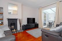 house to rent in Merton Road Southfields...