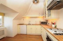 2 bed Flat to rent in Chartfield Avenue Putney...