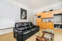 Apartment to rent in Eglantine Road...