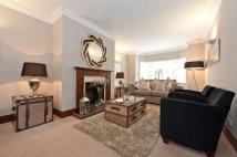 2 bed Flat to rent in Parkwood Point St John's...