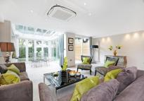 4 bedroom property in St. Johns Wood Park St...