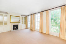 4 bedroom Terraced house in Barton Road, London, W14