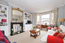 Apartment to rent in Gleneagle Road Streatham...