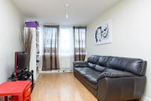 Flat to rent in Baldry Gardens Streatham...