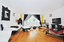 4 bed property in Middleton Drive London...
