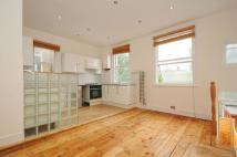 Flat to rent in Salterford Road Tooting...
