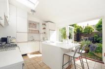 2 bed house in Alston Road Tooting SW17