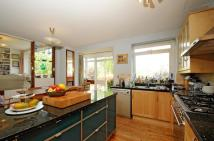 5 bed home to rent in College Gardens London...