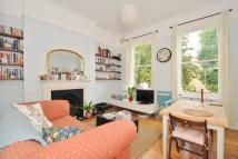 2 bed Flat to rent in Idmiston Road West...