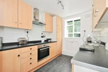 3 bed Flat in Kingswood Estate London...