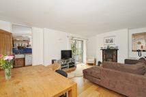 Apartment in Rosendale Road London...