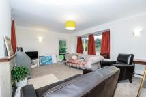 3 bed home to rent in Frank Dixon Way London...