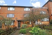 Maisonette to rent in Raymond Road Wimbledon...