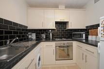 2 bed Flat to rent in Southey Road Wimbledon...