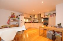 3 bed Flat to rent in Arcadian Place...