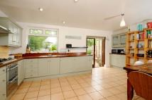 4 bed property in Haslemere Avenue...
