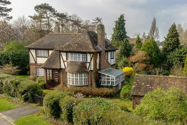 3 Bedroom Detached House For Sale In The Headway Ewell Village Surrey Kt17 Kt17
