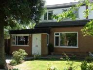4 bedroom semi detached property to rent in Mere Close, Denton...