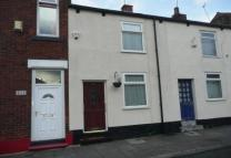 2 bed Terraced house to rent in Lumn Road, Gee Cross...
