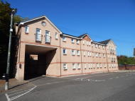 3 bed Flat to rent in Barnflat Court...
